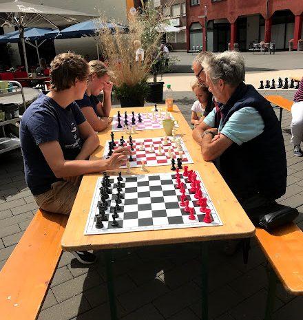 Schachklub Troisdorf spielt für Flutopfer!